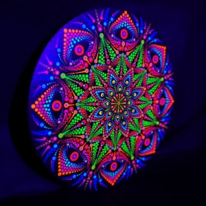 Fantasy Eyes One-Of-A-Kind UV Dot-Painting (30cm rond)